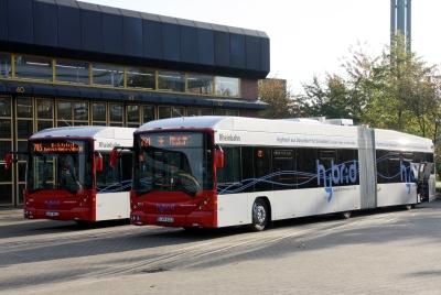 d sseldorf drei serielle hybridbusse gehen bei der rheinbahn an den start. Black Bedroom Furniture Sets. Home Design Ideas