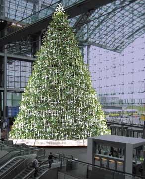 Weihnachtsbaum Berlin.Www Bahninfo De Kristall Weihnachtsbaum Im Berliner Hauptbahnhof